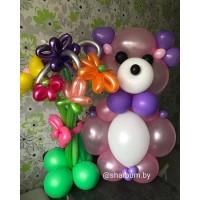 Мишка с букетом из воздушных шаров