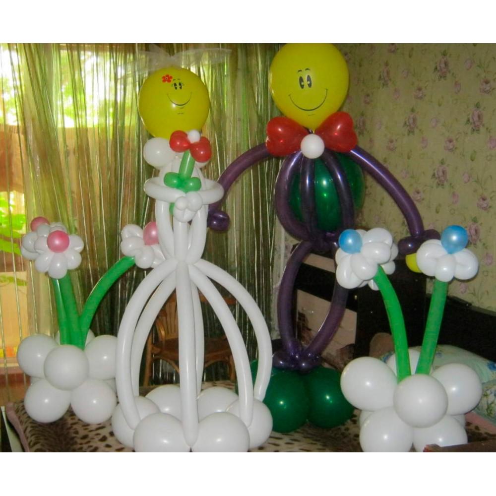 Плетеная фигура из шаров Жених и Невеста